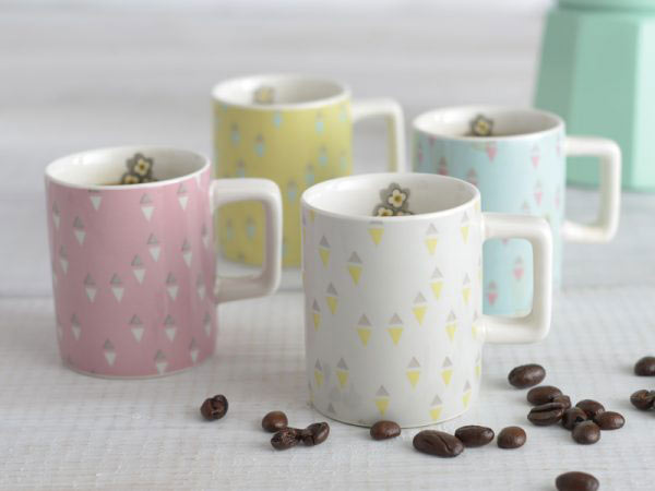 Pretty Retro Set of 4 Espresso Cups-995