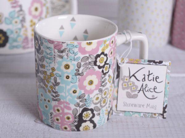 Pretty Retro Busy Floral Can Mug-951