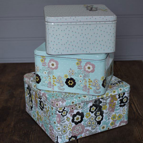 Pretty Retro Set of 3 Square Cake Tins-0