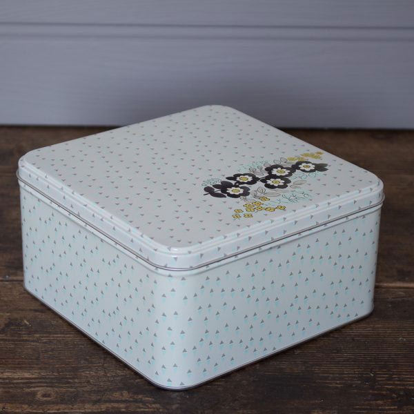Pretty Retro Set of 3 Square Cake Tins-987