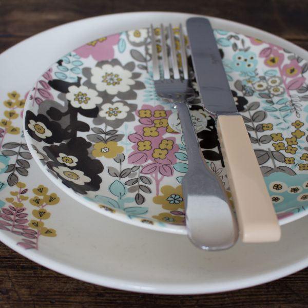 Pretty Retro Floral Dinner Plate-985