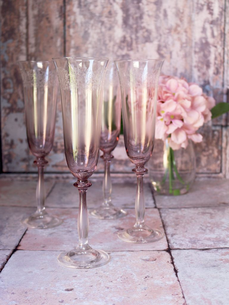 fancy glassware - our pink ombre champagne flutes with a floral etched rim